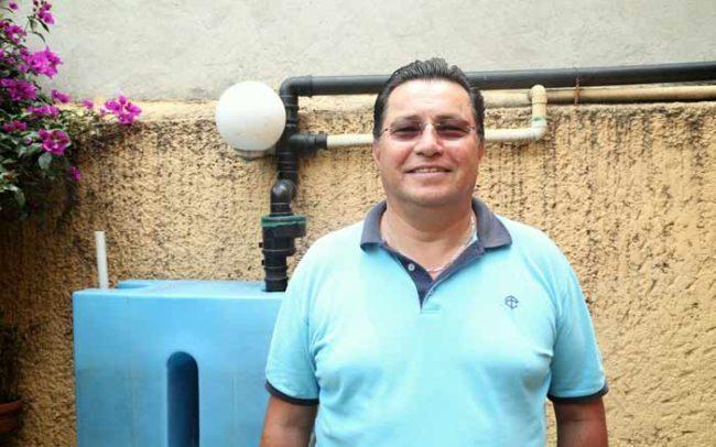 Hombre Retrato Iztapalapa Sistema Capta Lluvia Cisterna Tlaloque Isla Urbana