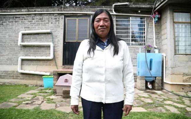 Mujer Captación Lluvia Agua Isla Urbana Camaroni Producciones Videografías sociales video tlaloque sistema